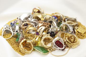 宝石と貴金属