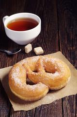 Pretzel and tea
