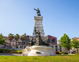 Henry monument Porto