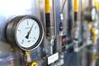 Leinwanddruck Bild - Messuhr bei Versorgungsleitungen // controll panel