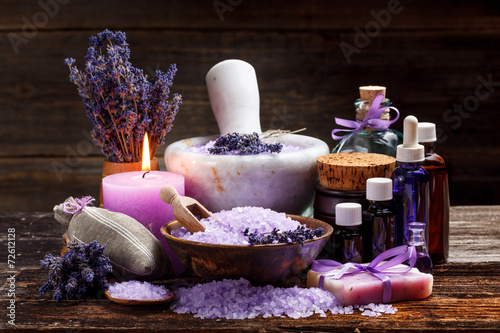 Still life with lavender - 72612128