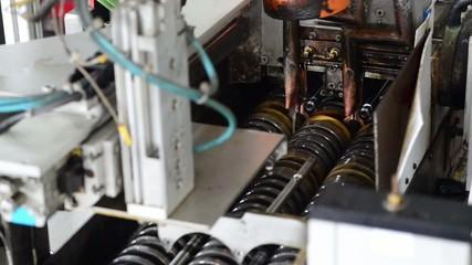 industrielle Maschine zum Härten von Bauteilen mit Indusktion