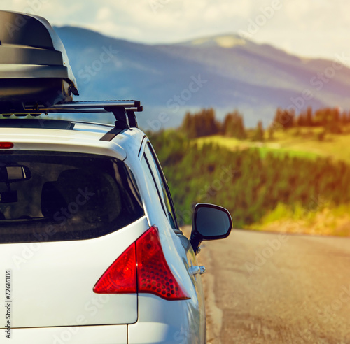 car with a roof rack - 72616186