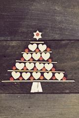 christmas tree made of cookies and rowan