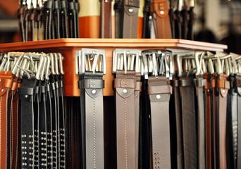 Cinturones de cuero, moda masculina