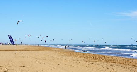 Kitesurf en la playa Castelldefels, Barcelona