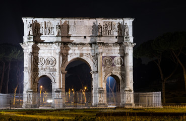 Arco di Costantino di notte - Roma