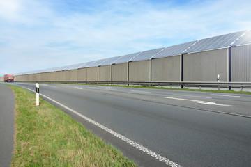 Lärmschutzwand mit Solarzellen 1773