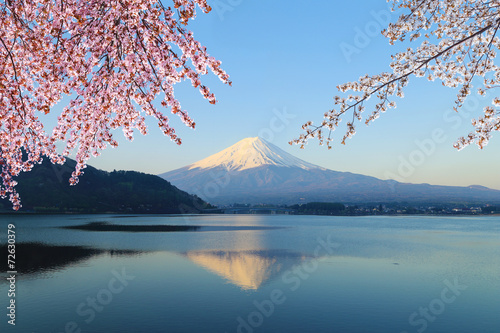 Papiers peints Montagne Mount Fuji, view from Lake Kawaguchiko