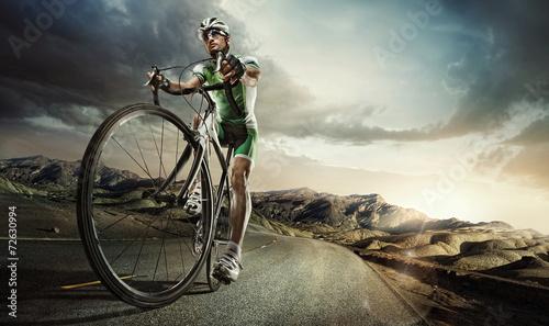 Sport. Road cyclist - 72630994