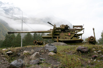 mountain gun for elimination of avalanches