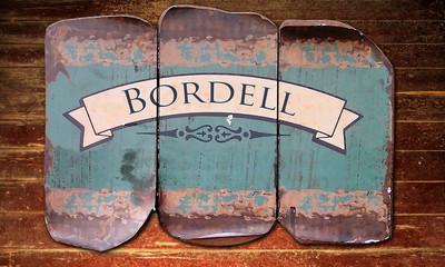 Holzmetallbild 1 - Bordell