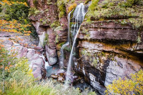 Papiers peints Canyon Cascade dans les gorges du Cians