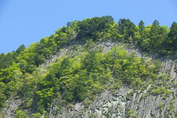 新緑の奈良曽爾村の屏風岩