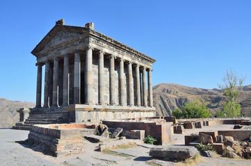Армения, языческий храм Солнца в Гарни , I век