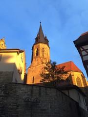 Öhringer Stadtkirche in der Morgensonne