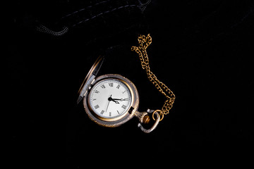 Vintage watch showing time