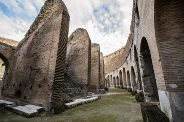 Colosseo, interno, anello esterno - Roma