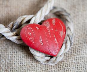 corde et coeur sur toile de lin