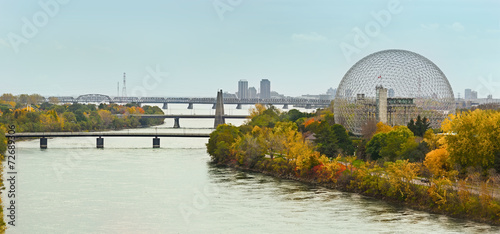 Deurstickers Openbaar geb. Montreal bridges over St Laurence river