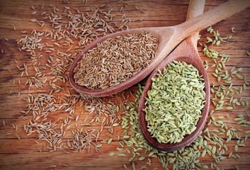 semi di cumino e di finocchio