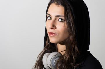 Ragazza con Headphones