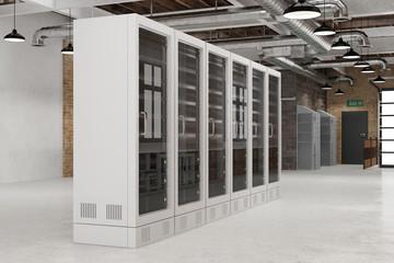 Serverraum im Rechenzentrum mit Computer