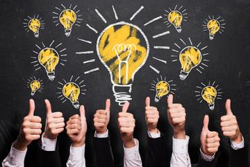 viele Daumen hoch zu vielen Ideen