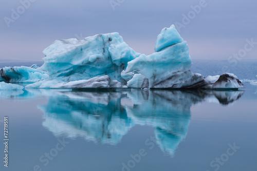 Fotobehang Gletsjers Reflet d'iceberg