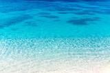 沖縄 静かな波打ち際