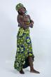 afrikanische Frau mit grünem einheimischen  mode