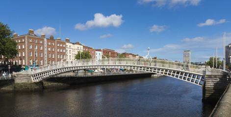 Ha'penny Bridge over the river Liffey, Dublin
