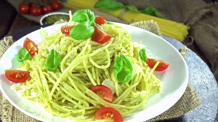 Pasta with Pesto Sauce (loopable)