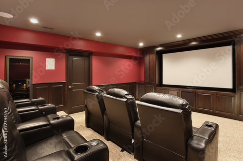 Theater in luxury home - 72744550