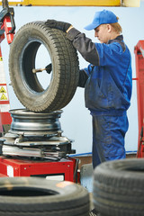 car wheel lubrication during replacement