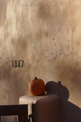 Herbstliche Dekoration im Garten
