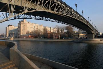Патриарший пешеходный мост.