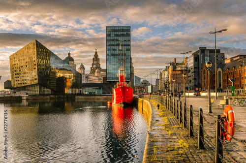 Poster Stad aan het water Liverpool Waterfront at Sunset