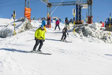 "Skisport auf dem ""Trockenen Steg"", ob Zermatt"