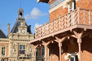 Buttes Chaumont et mairie, Paris