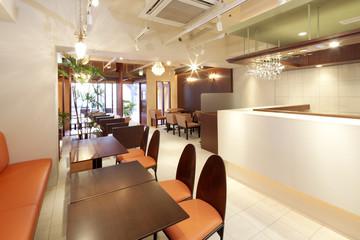 リフォーム後のカフェ店内
