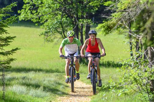 Fotobehang Wielersport Mountainbike-Tour