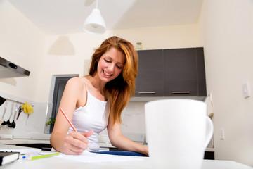 Studieren in der Küche