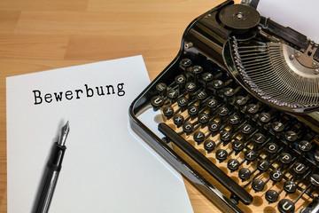 Antike Schreibmaschine, Bewerbung