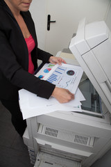 Femme  et photocopies