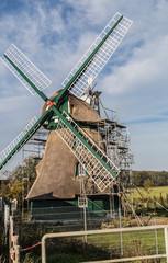 Die Mühle Charlotte in der Geltinger Birg wird ausgebessert