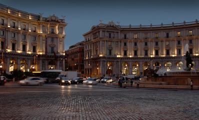 piazza Della Repubblica at night in Rome