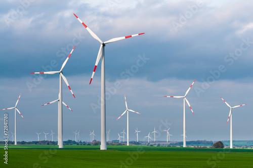 Leinwandbild Motiv Windkraftanlage, Energiewende, erneuerbare Energien