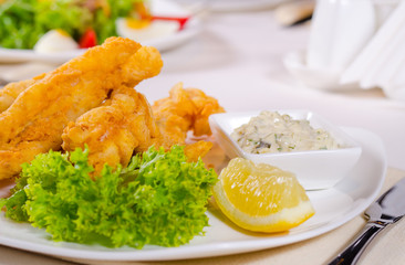 Fried fish fillets with savory tartare sauce