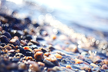 fuzzy texture glare sea stones